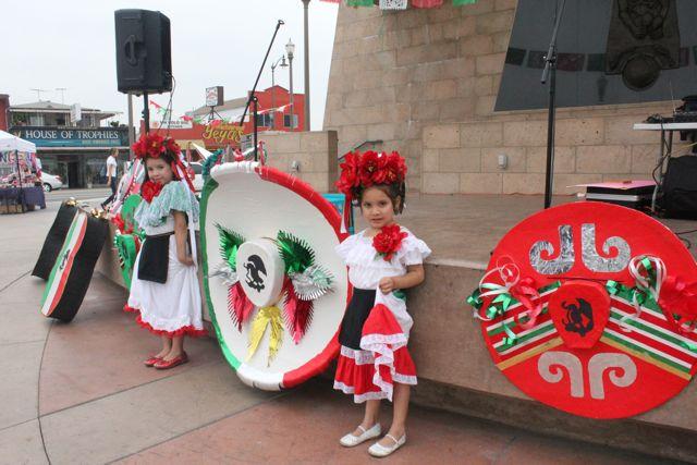 Mariachi Plaza se viste para el día de la independencia de México