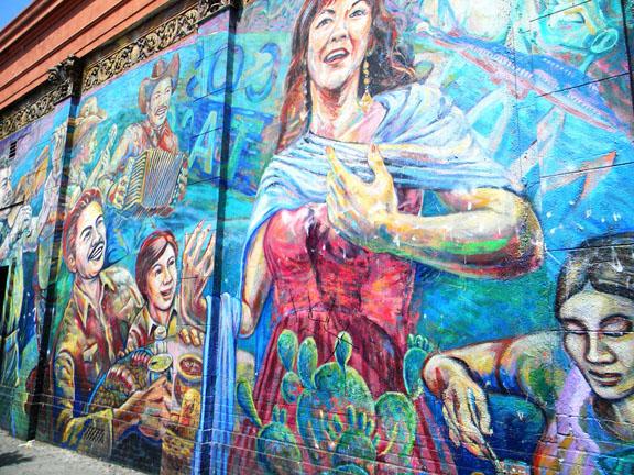 Nuestras calles sirven como lienzos de pinturaLos murales históricos han sido abandonados