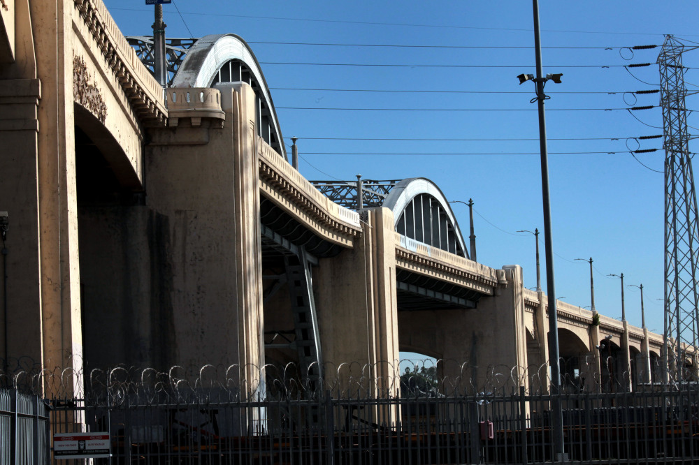 Goodbye, 6th Street bridge: City council votes to demolish the 1922 structure to create a new design