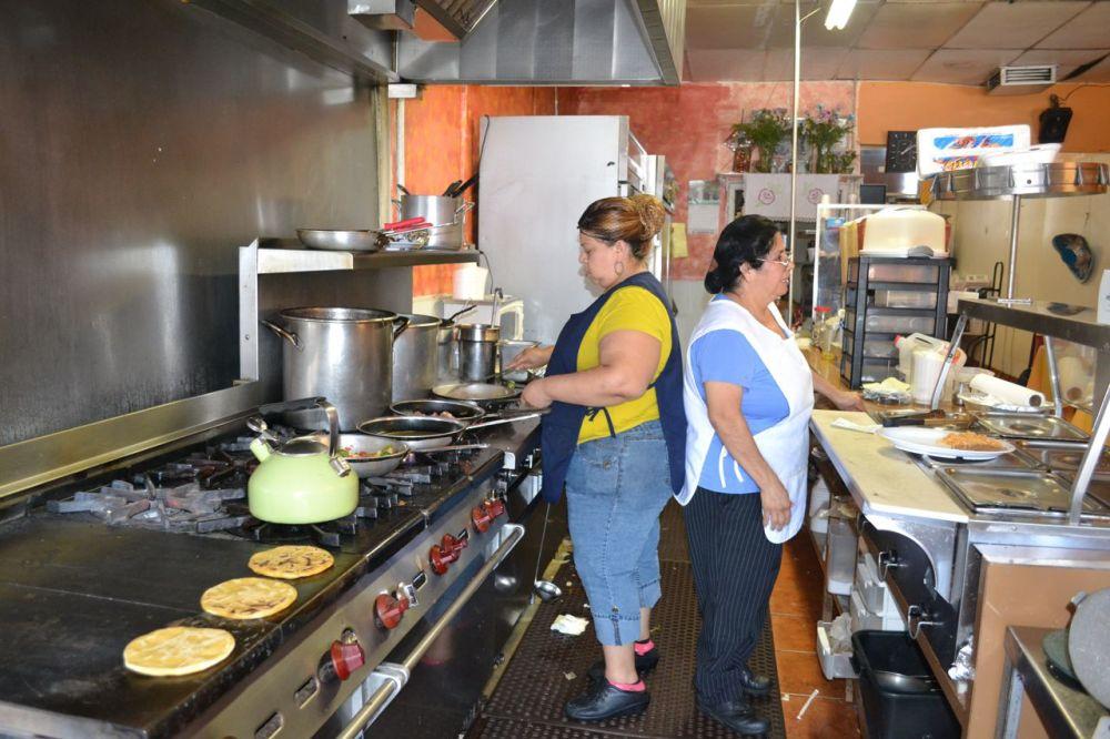 At La Chispa de Oro restaurant, it's a family affair