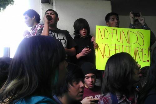 Students protest against school bus cuts; LAUSD announces lawsuit against state