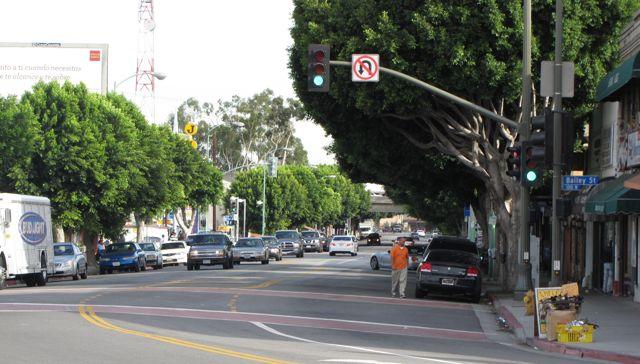 Perspectiva de los propietarios de viviendas: algunos se quejan mas inquilinos ha generado escasez de estacionamiento