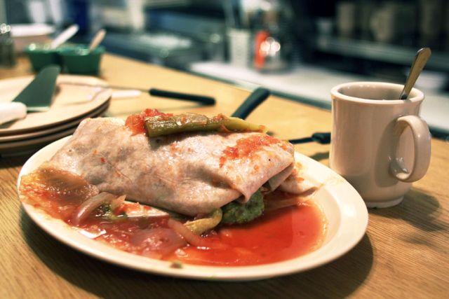 Festín al estilo Boyle Heights: Viejas recetas, nuevos giros en los tradicionales El Tepeyac y La Favorita