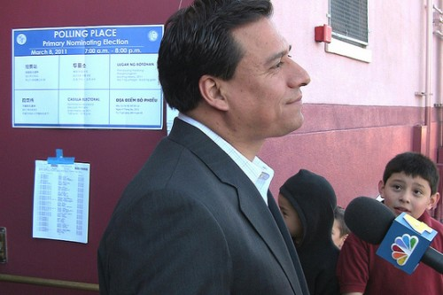 Councilman Huizar passes sobriety test after car accident