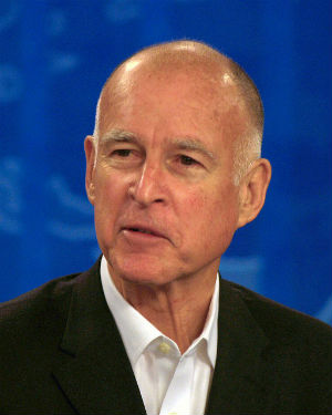Gov. Brown says 'yes' to driver's licenses for undocumented but 'no' to bill designed to curtail deportation