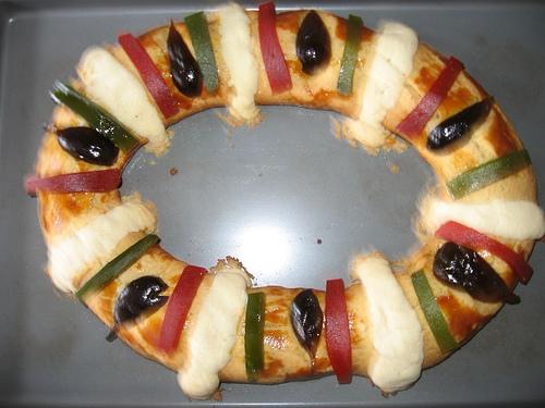 'Rosca de Reyes' tradition popular in Boyle Heights [Video]