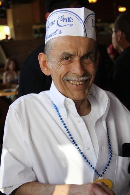 Manuel Rojas, owner of Boyle Heights landmark El Tepeyac, dies at 79