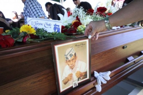 Mourners say goodbye to El Tepeyac's Manuel Rojas [Photos]