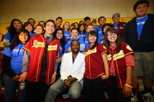 Will.i.am. gives back to Boyle Heights