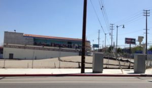 Vacant lot on 1st and Lorena streets may soon be filled by a mixed-use project./ Photo by Jessica Perez
