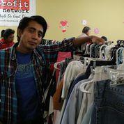 Oasis para los necesitados en A Trabajar: El programa suministra ropa a personas de escasos recursos