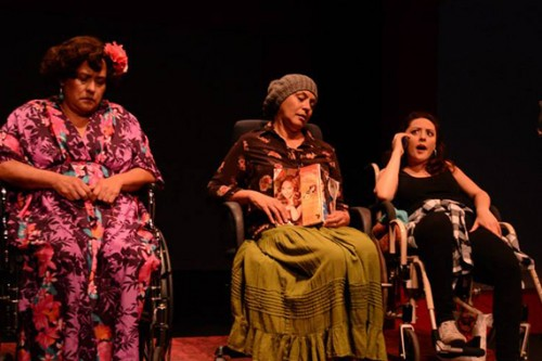 """Theater Review: """"Chicanas, Cholas, y Chisme"""" celebrates the Latina experience"""