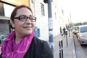 Victoria Ortega, un hombre-a-mujer transgenero promueve igualdad para of individuos LGBT en Boyle Heights. Foto de Jessica Perez.