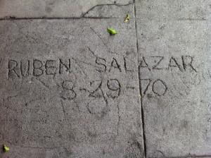 El Condado Los Angeles presentará una placa conmemorativa en homenaje Ruben Salazar, periodista estadounidense de origen mexicano.