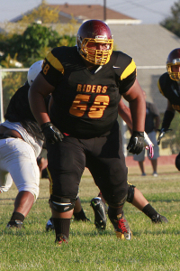 Arturo Nuñez plays right guard and defensive tackle and for Roosevelt. Photo by Arturo Torres.