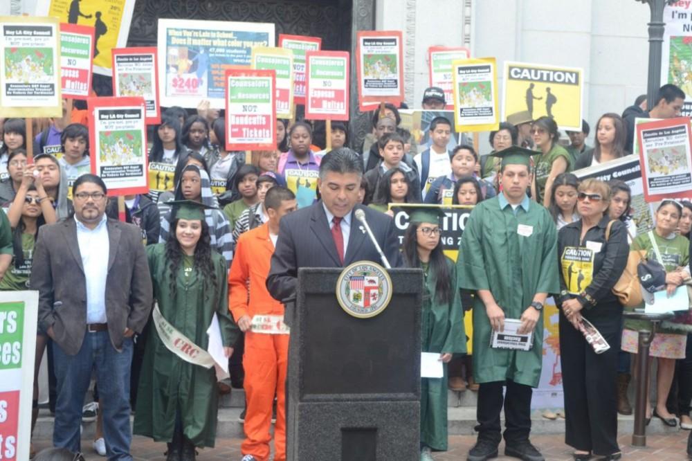 Los estudiantes de Boyle Heights logran cambiar la ley de ausentismo escolar de L.A.