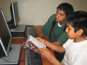 Bibliotecas públicas ofrecen seminarios gratis sobre preparación para la universidad