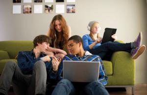 ¿La tecnología se ha adueñado de la vida de los adolescentes?