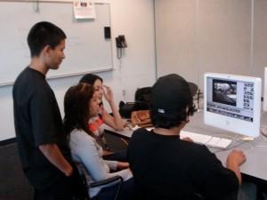 Jóvenes usan medios digitales para hacer escuchar su voz en defensa de la comunidad