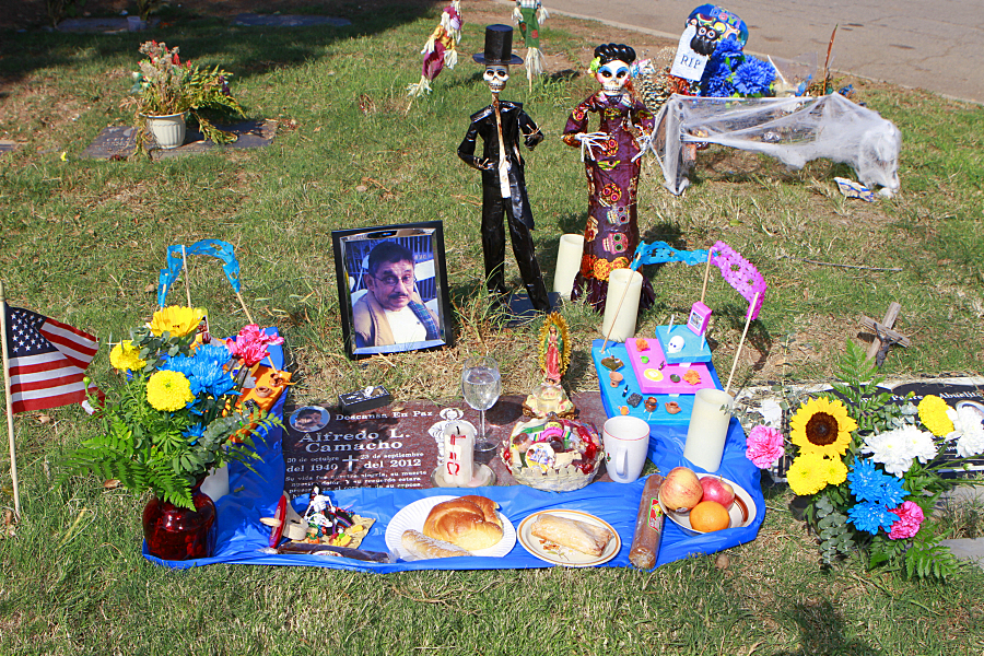 """For many, Day of the Dead serves as """"a way of healing"""""""