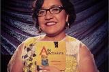 Activista chicana y miembro de la banda Quetzal presenta libro infantil en español