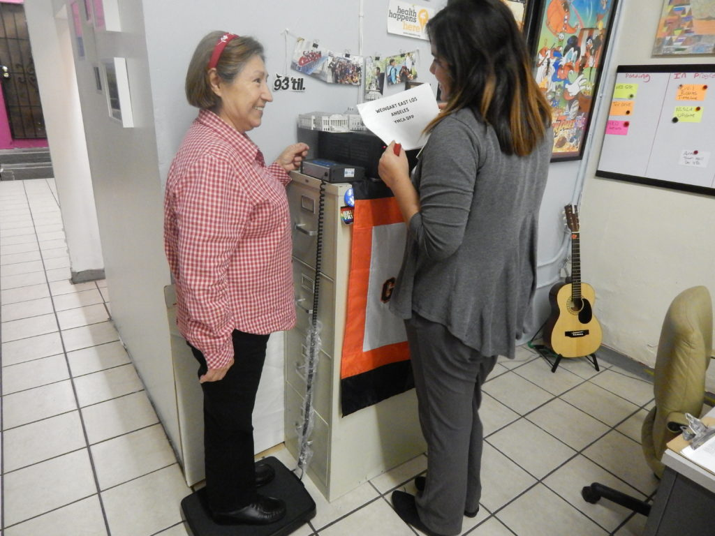 Members of the Diabetes Prevention Program have weekly weigh ins. Photo by Jennifer Lopez.