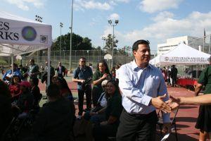Councilman José Huizar during a campaign stop in Hazard Park. Photo by Antonio Mejias