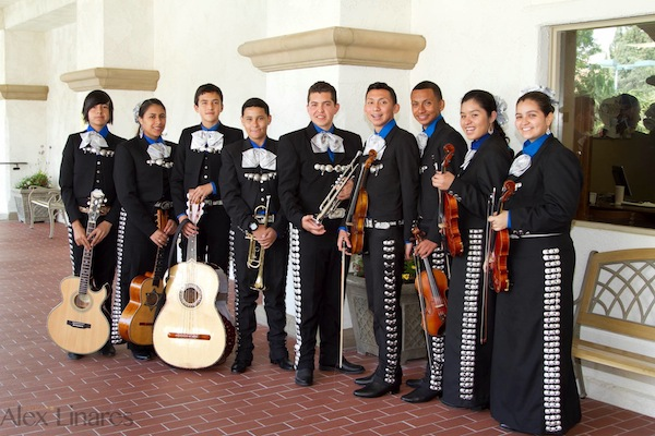 Mariachi runs in his blood: <em>A young man recounts his close relationship with this traditional Mexican music</em>