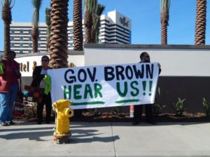 Protesters at a rally in front of the Bicycle Hotel and Casino where Governor Jerry Brown spoke. They claim the governor is ignoring an enviromental crisis created by the closed Exide plant in Vernon. Photos by Antonio Mejías-Rentas