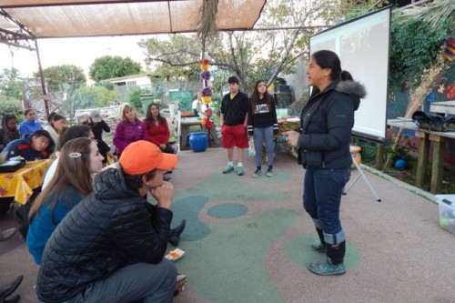 USC students draw plans for Proyecto Jardín's mobile farm stand for Ramona Gardens