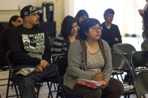 Community meeting focuses on financial aid for college