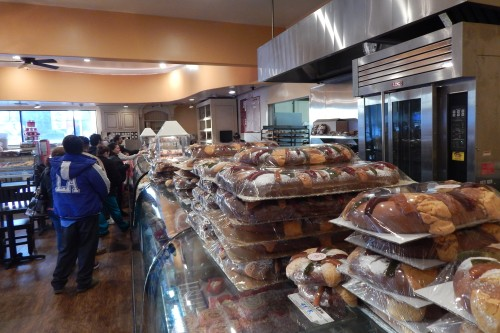 En BH, las roscas de reyes se venden como pan caliente