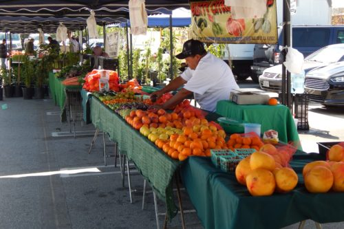 New law requires farmers' markets to accept CalFresh cards