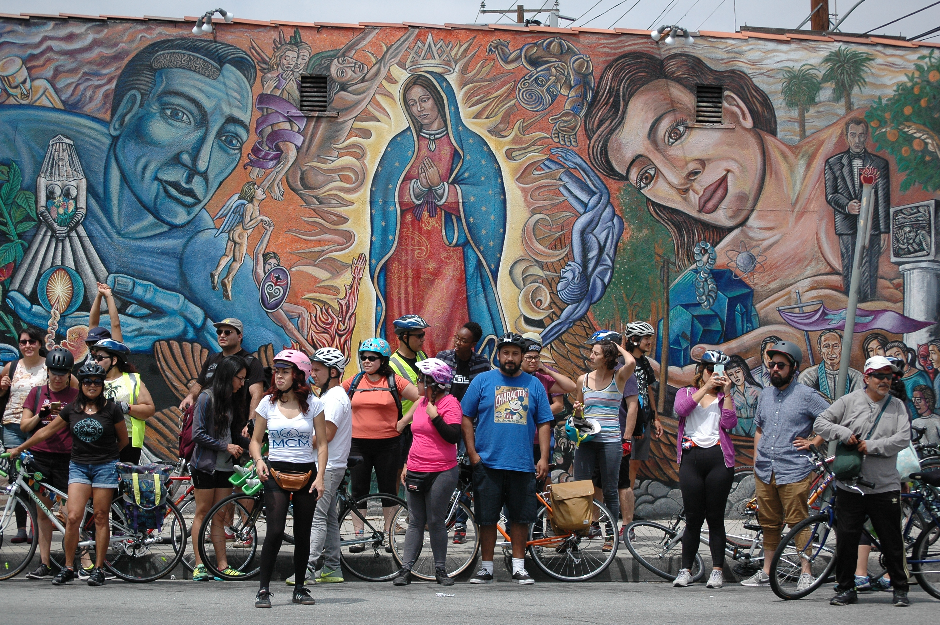 Boyle heights beat bicyclists highlight the murals and for Mural history
