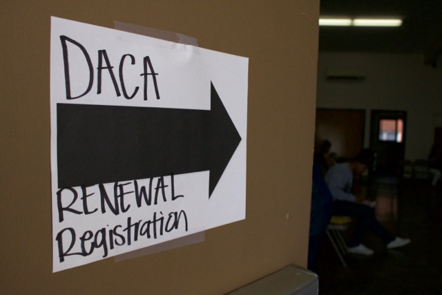 Government must accept new DACA applications, judge rules